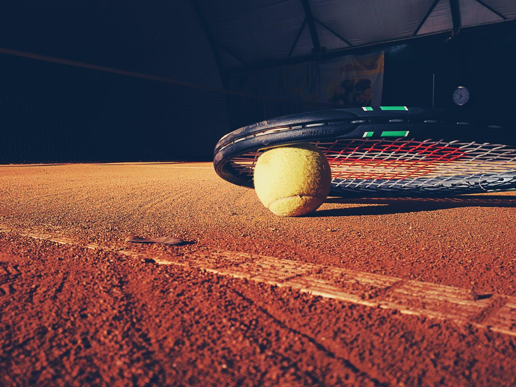 ball tennis court racket